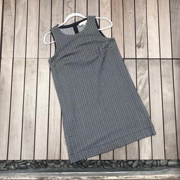 LOFT Dresses & Skirts - LOFT Black & White Patterned Sleeveless Mini Dress